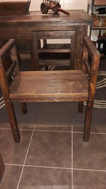 Bancos cadeiras de madeira