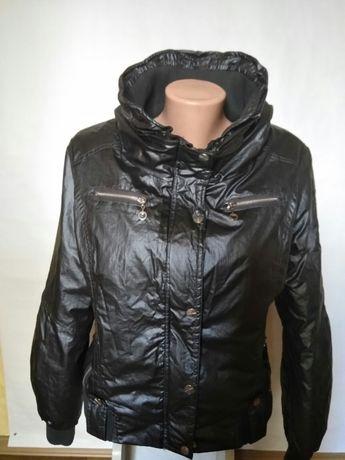 Продам  молодежную  весенне-осеннюю куртку