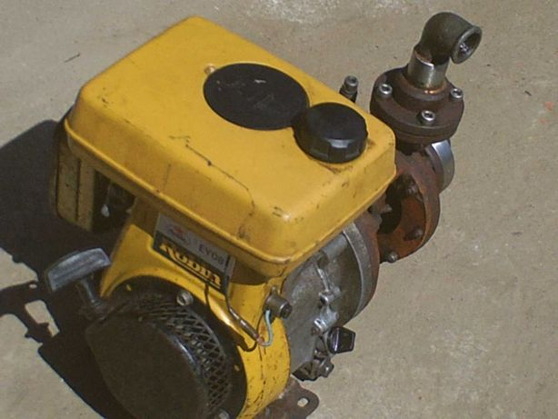 motor de tirar agua\motobomba robin