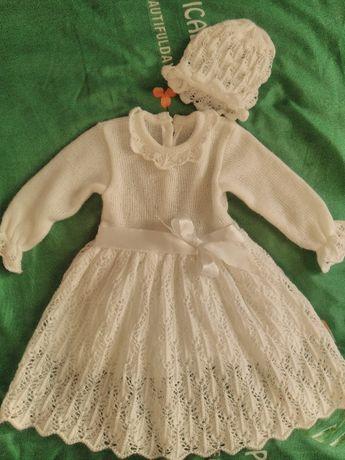 Ubranko do chrztu, sukienka włóczkowa z czapeczką i narzutką, roz. 62
