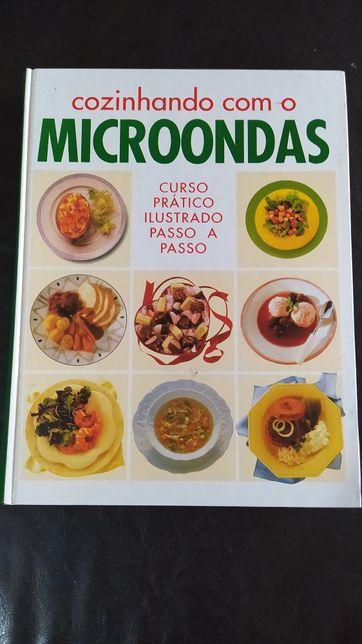 Livro Cozinhando com o Microondas