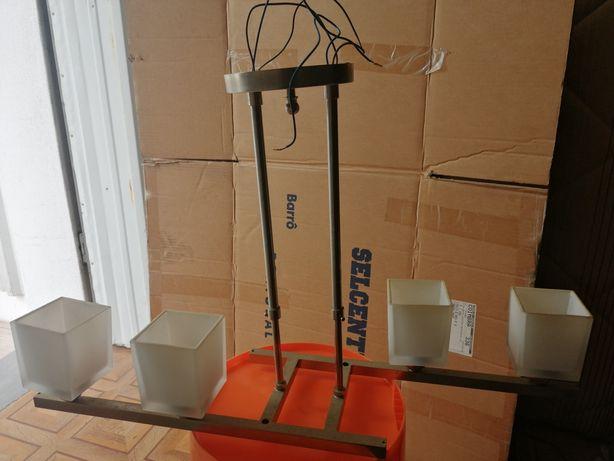 Candeeiro inox para 4 lâmpadas