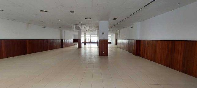 ARRENDA  - Loja c/ 470 m2 - Junto ao Lidl - Barreiro