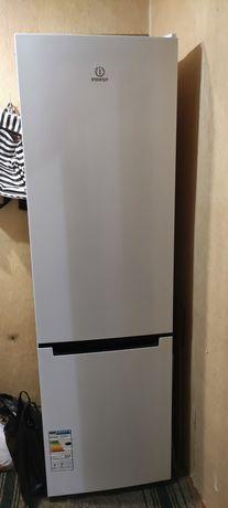 Холодильник DF4201w