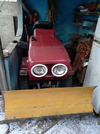 Трактор 4х4 800$