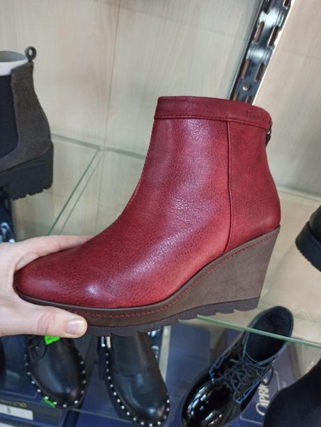 Кожаные ботинки фирмы Tamaris