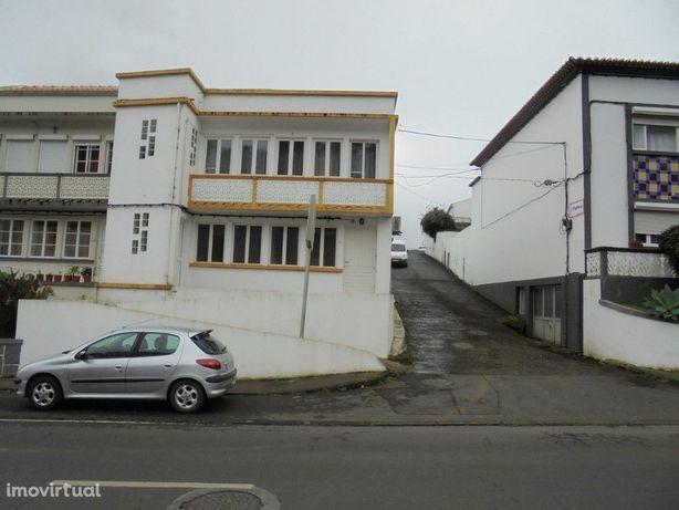 Apartamento T3 Praia da Vitória / Muito bem localizado e ...
