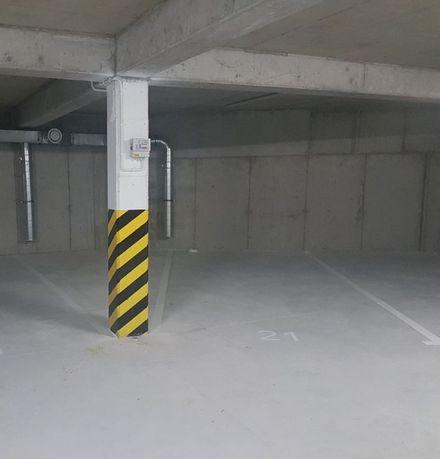 Miejsce postojowe w garażu podziemnym przy ul. Flaminga w Szczecinie.