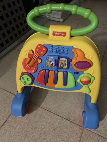 Andarilho musical bebé