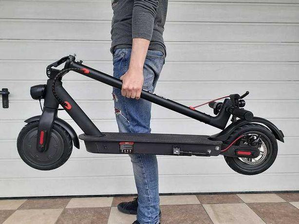 Электросамокат Crosser E9 Premium Перфорация 10 inch (7,5Ah) - Чёрный