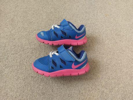 Buciki dziewczęce Nike Free 23,5
