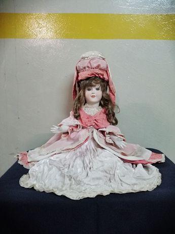 Boneca portuguesa da marca Alda anos 50