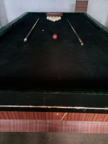 Билиардный стол большой