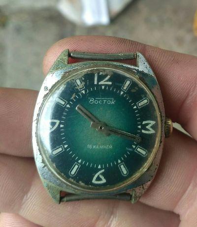 Часы Восток СССР 18 камней.
