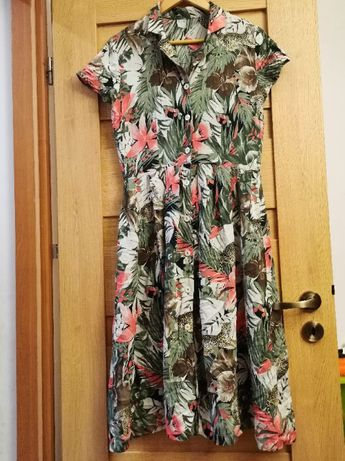 Sukienka oraz 2 koszule w rozmiarze 40 / 42 za płatki kosmetyczne