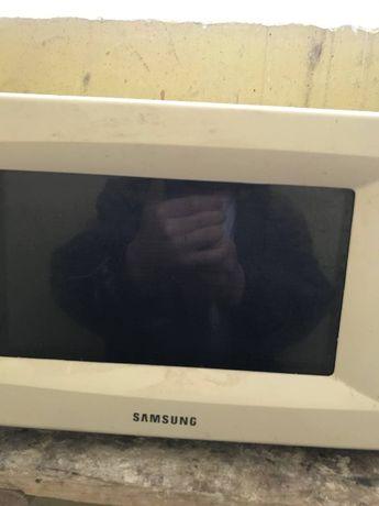 Микроволновая печь Samsung M1712NR на запчасти
