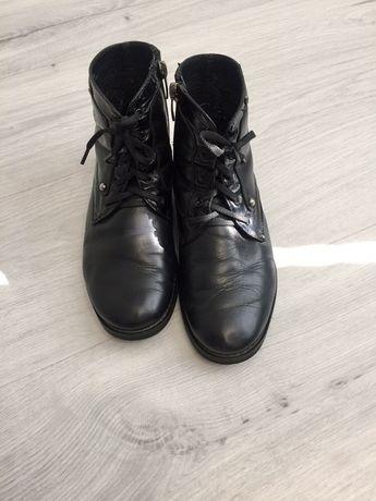 Продам ботинки.
