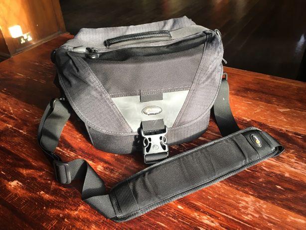 Сумка для фотокамеры Lowepro Stealth Reporter D100 AW
