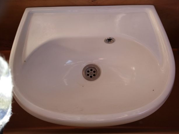 mała umywalka