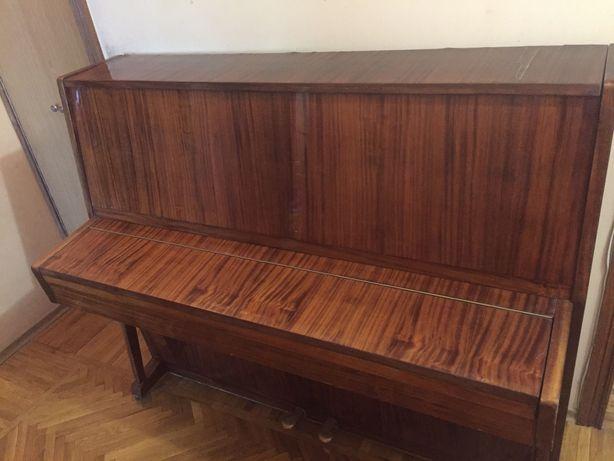 Пианино Украина 2-х педальное