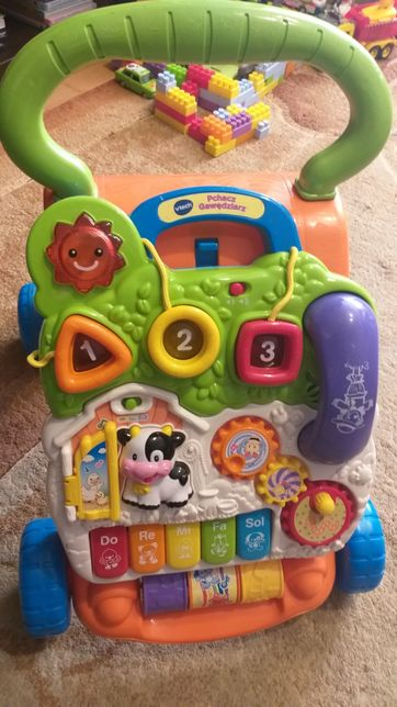 Pchacz gawędziarz - zabawka interaktywna
