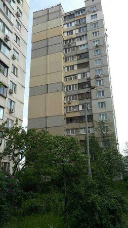 Квартира в хорошем состоянии Метро Позняки 5 минут Руденко Ларисы 10А