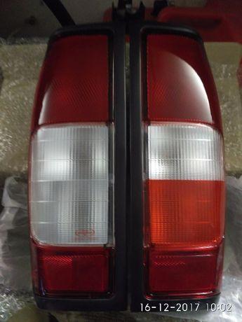 Задний правый фонарь - стопы ниссан навара