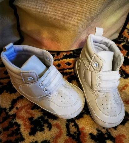 Sprzedam buty dziecięce