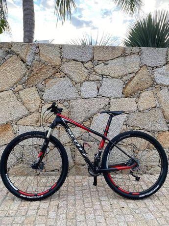 Bicicleta  scott expert roda 29 ( em carbono )