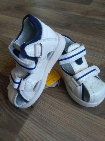 Продам детские сандали Clibee размер 22