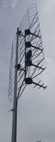 Antena siatkowa + maszt 3 metry + płytka zapasowa + zasilacz + kabel.