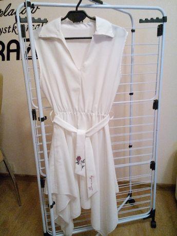 Zwiewna biała sukienka z koła z paskiem Rozmiar L/XL