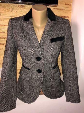 Стильный шикарный на подкладке пиджак