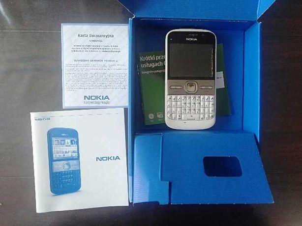 Nokia E5, pudełko i dokumenty.