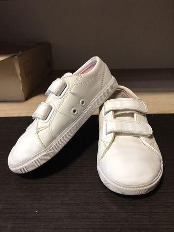 Кроссовки белые lacost