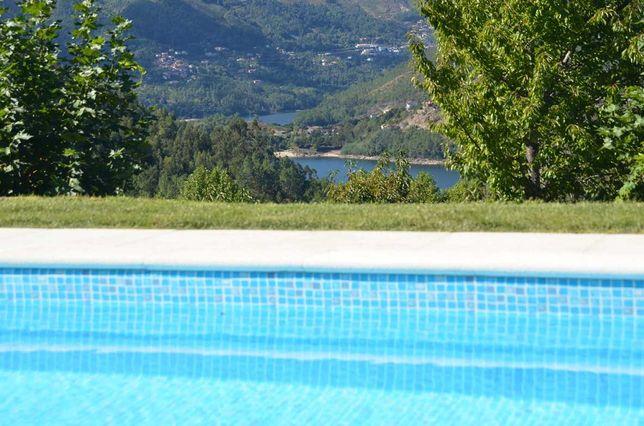Cantinho da pedra Gerês turismo rural lindas paisagens com piscina