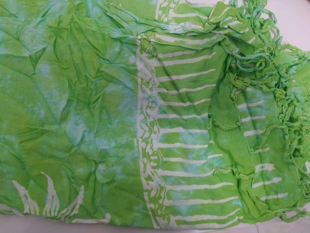 Pareo comprido verde e branco com sol NOVO
