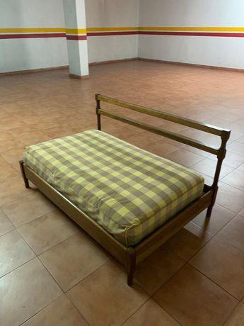 Pequeno sofá / cama criança