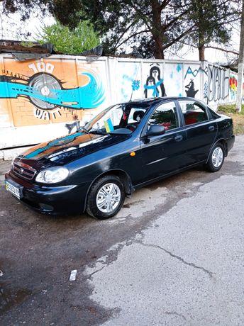 Автомобіль ЗАЗ, модель Сенс
