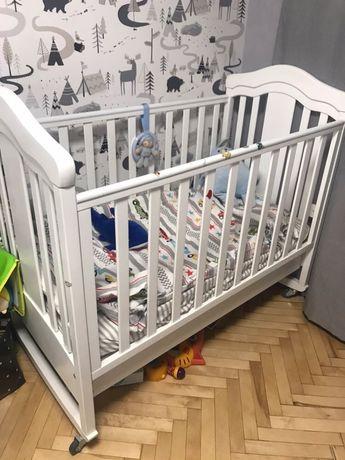 Кроватка и матрасик для новорожденного