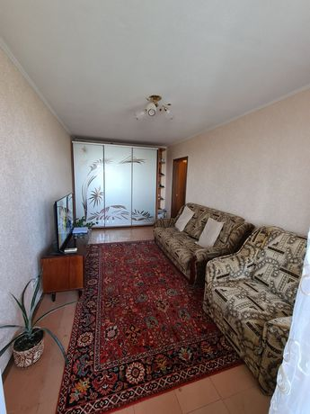 Продам 2-х ком квартиру ж/м Тополь-2 (напротив Сичи,  возле АТБ)