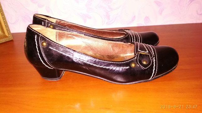 Туфли лаковые 37р.