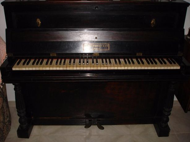 Piano Vertical Amédée Thibout