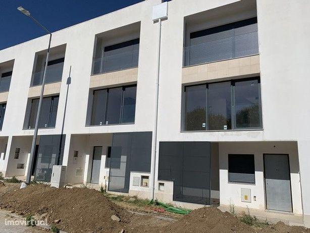 Moradia T3 TRIPLEX Venda em Malagueira e Horta das Figueiras,Évora