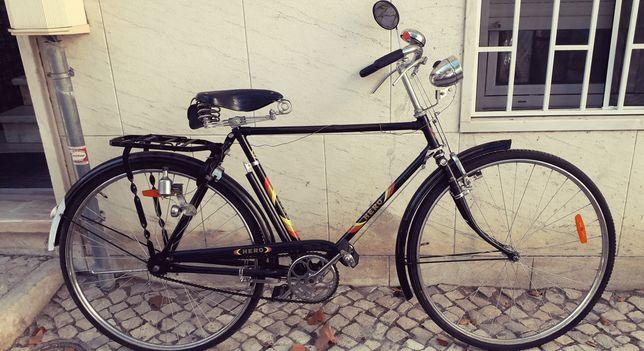 Bicicleta Pasteleira Hero anos 60(pintura de origem). Excelente eatado