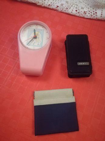 Despertador e capa de telefone
