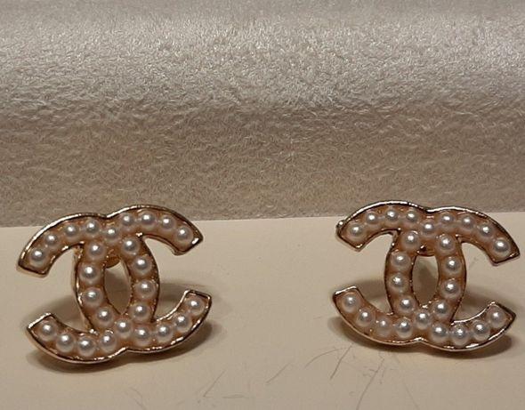 Kolczyki wzór Chanel perełki