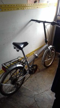 Bicicleta  Articulada   em  Aluminio