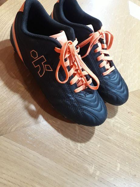 Korki / buty sportowe r. 35