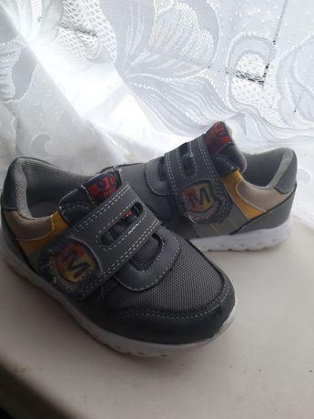 Кроссовки обувь 24р. 15.5см